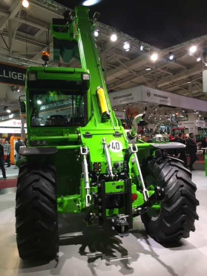 MF44.7CS__Agritechnica2017__back