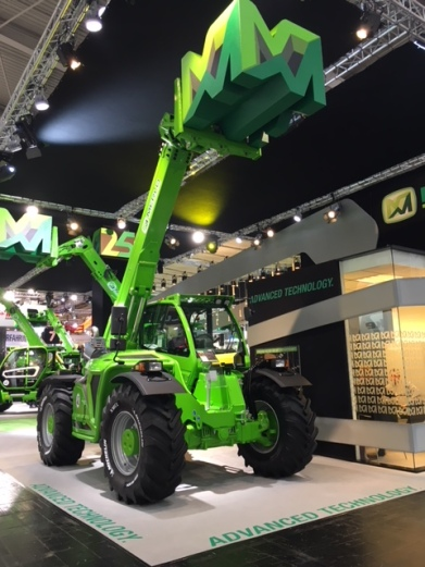 MF44.7CS__Agritechnica2017__Machine